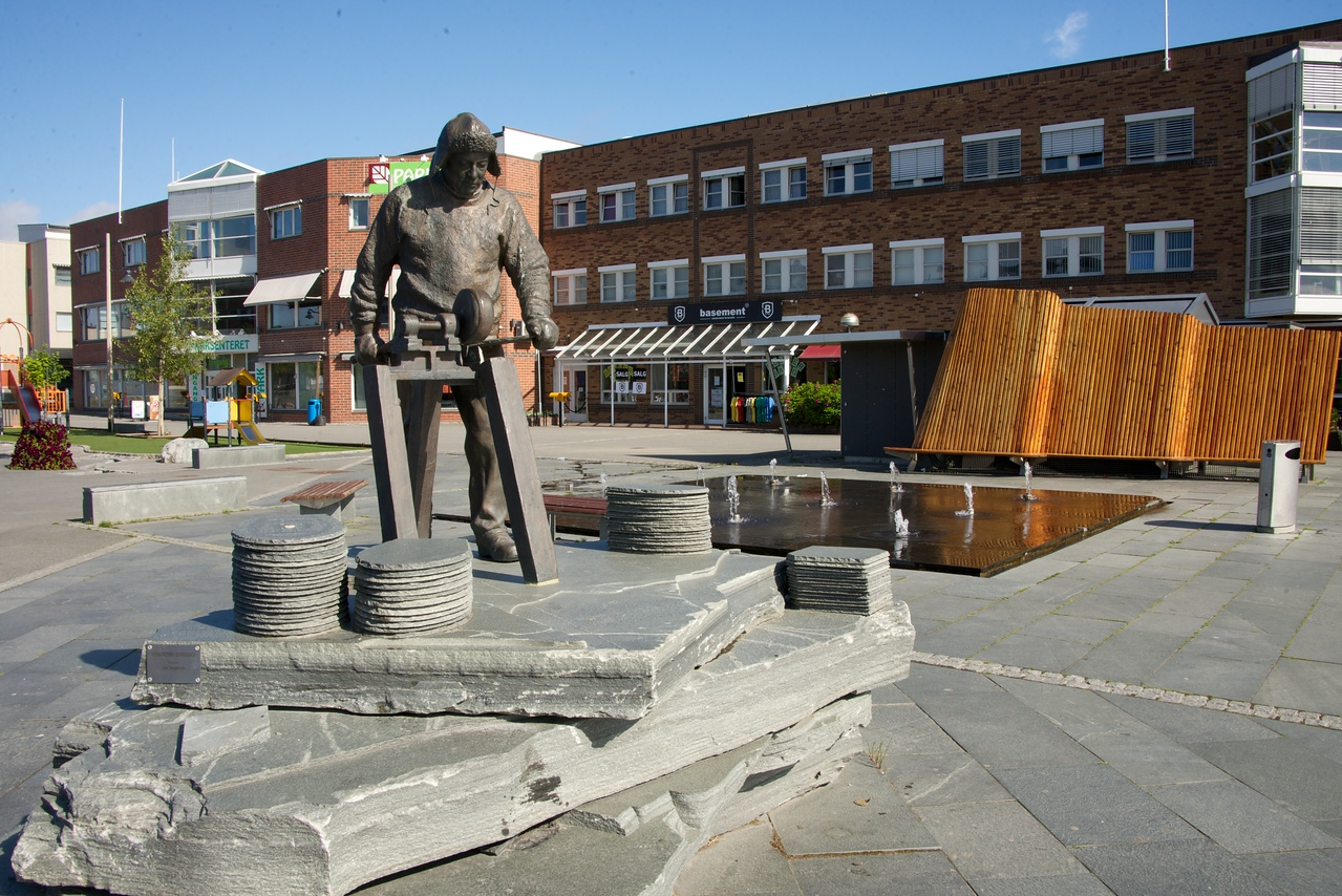 Monument to the 150 year old business of mining and cutting slate into roof tiles.