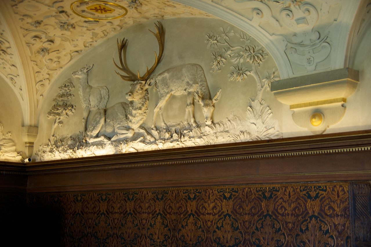 Closer look at the plaster ceiling reliefs (recreations of the way it was)