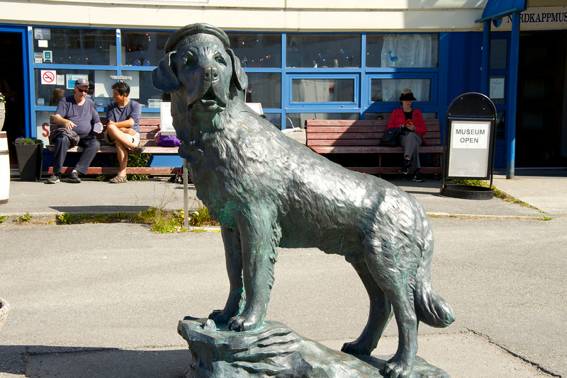 Statue of Bamse, WWII Canine Hero