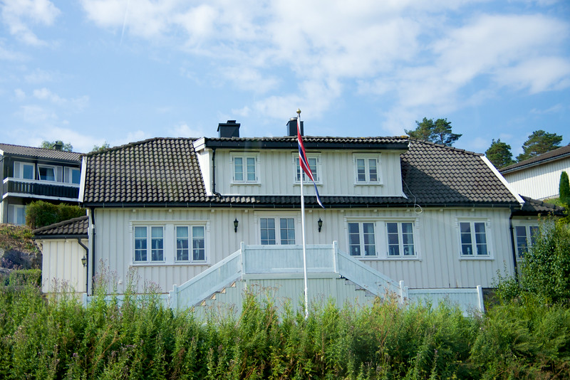 House out near the Cannon cost $500,000  Norwegians very patriotic