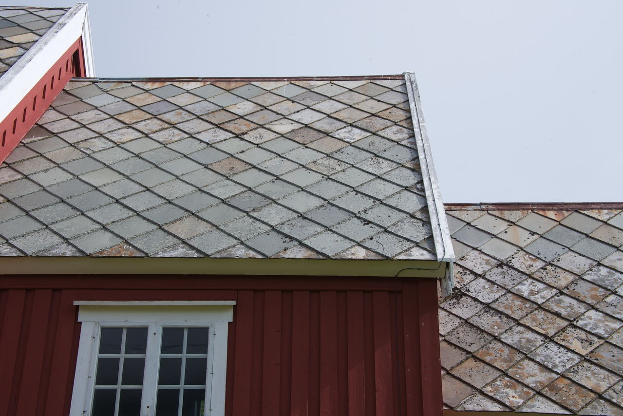 Example of slate tile roof