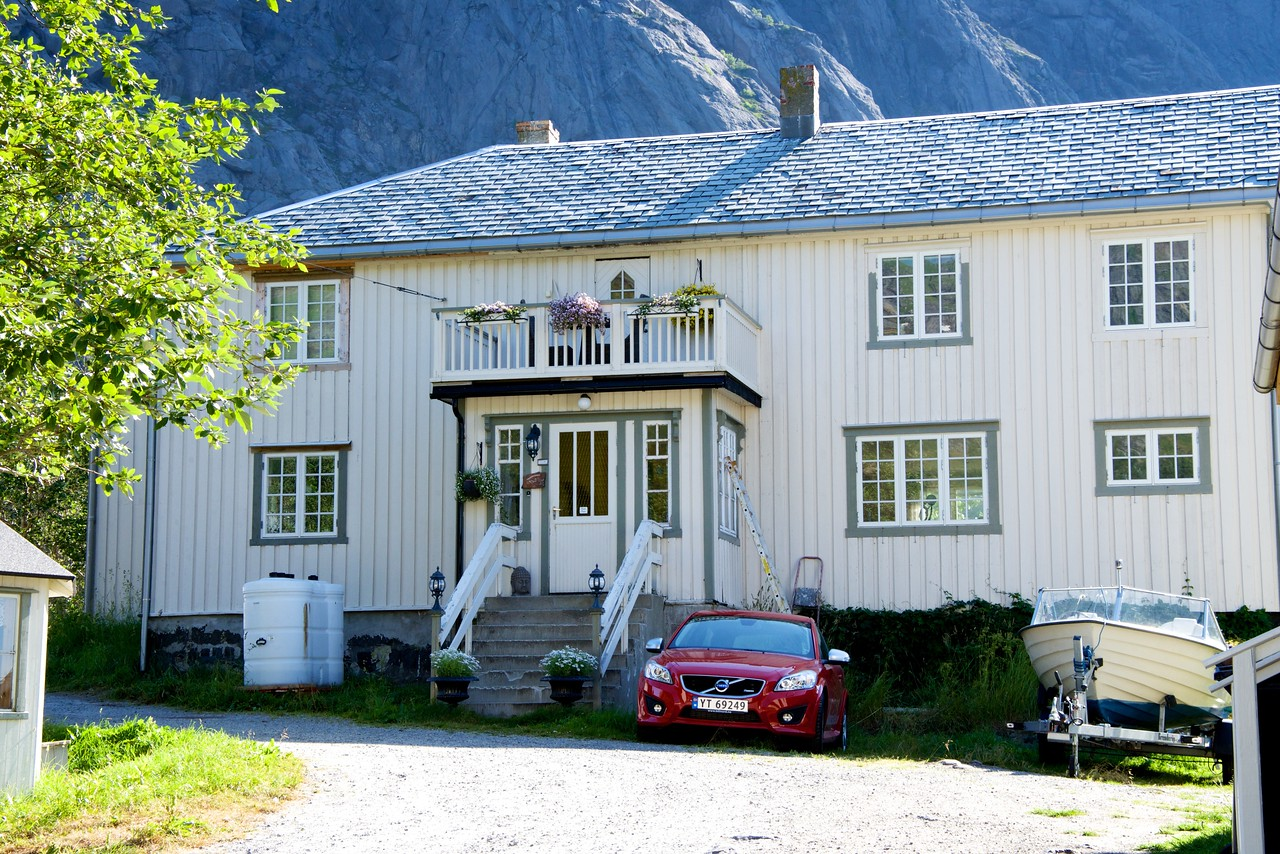 Villages were owned by families    the owners house was painted white (white was made by adding zinc to the cod liver oil)