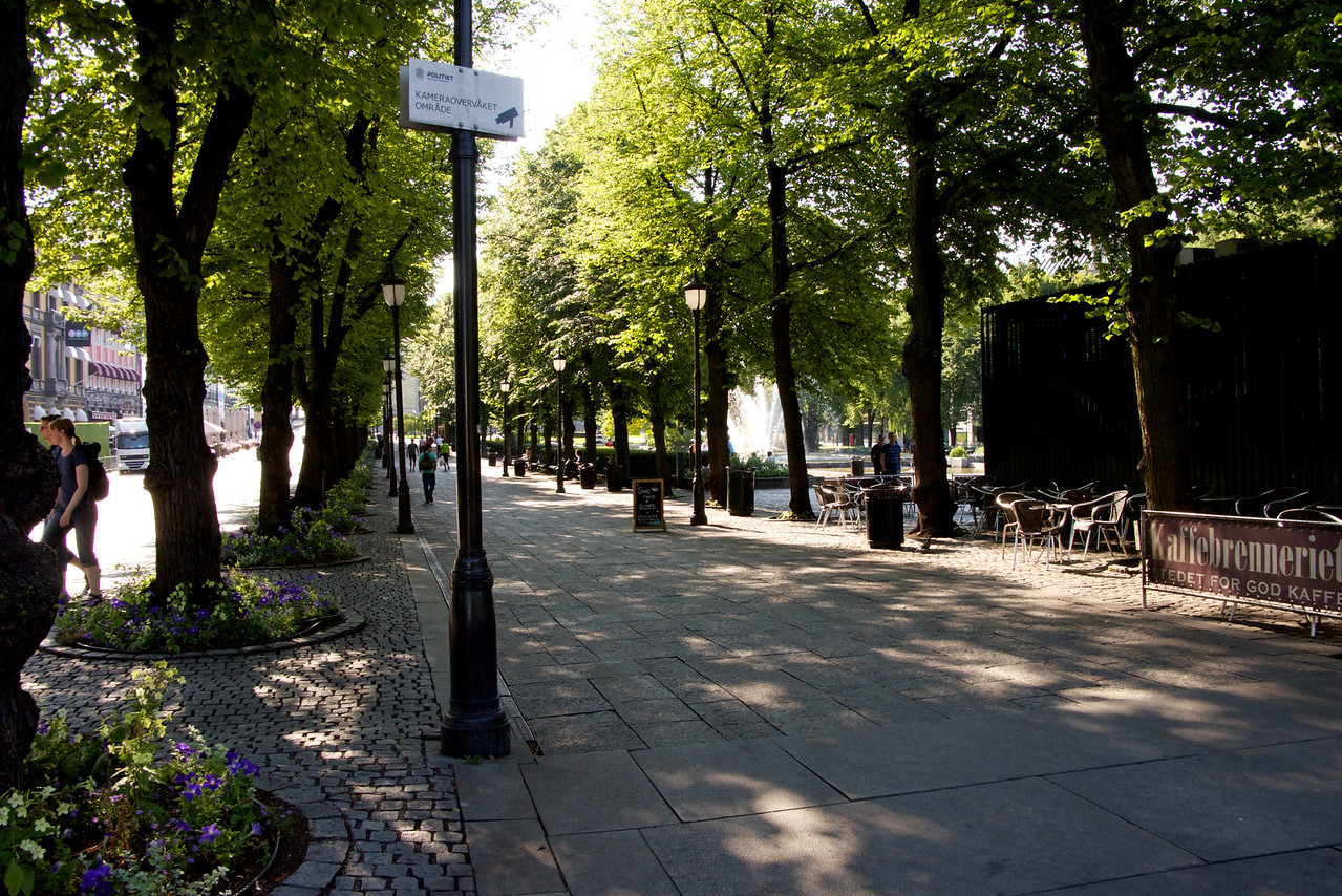 Park in the city center along Karl Johan Gate
