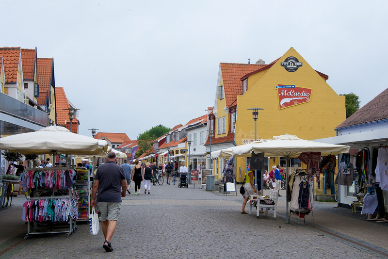 The Pedestrian Shopping Street