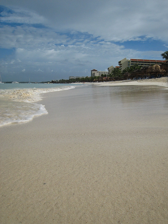 Looking down Palm Beach from De Palm Pier.