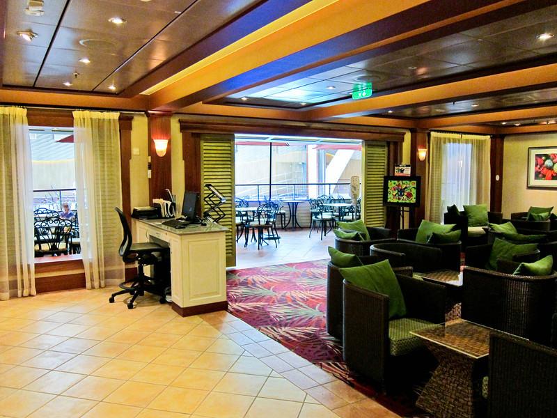 Allure of the Seas 02/29/12 Diamond+ Lounge