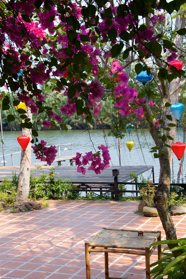 Nam Long is located on the banks of the scenic Thu Bon river close to Cua Dai Beach.