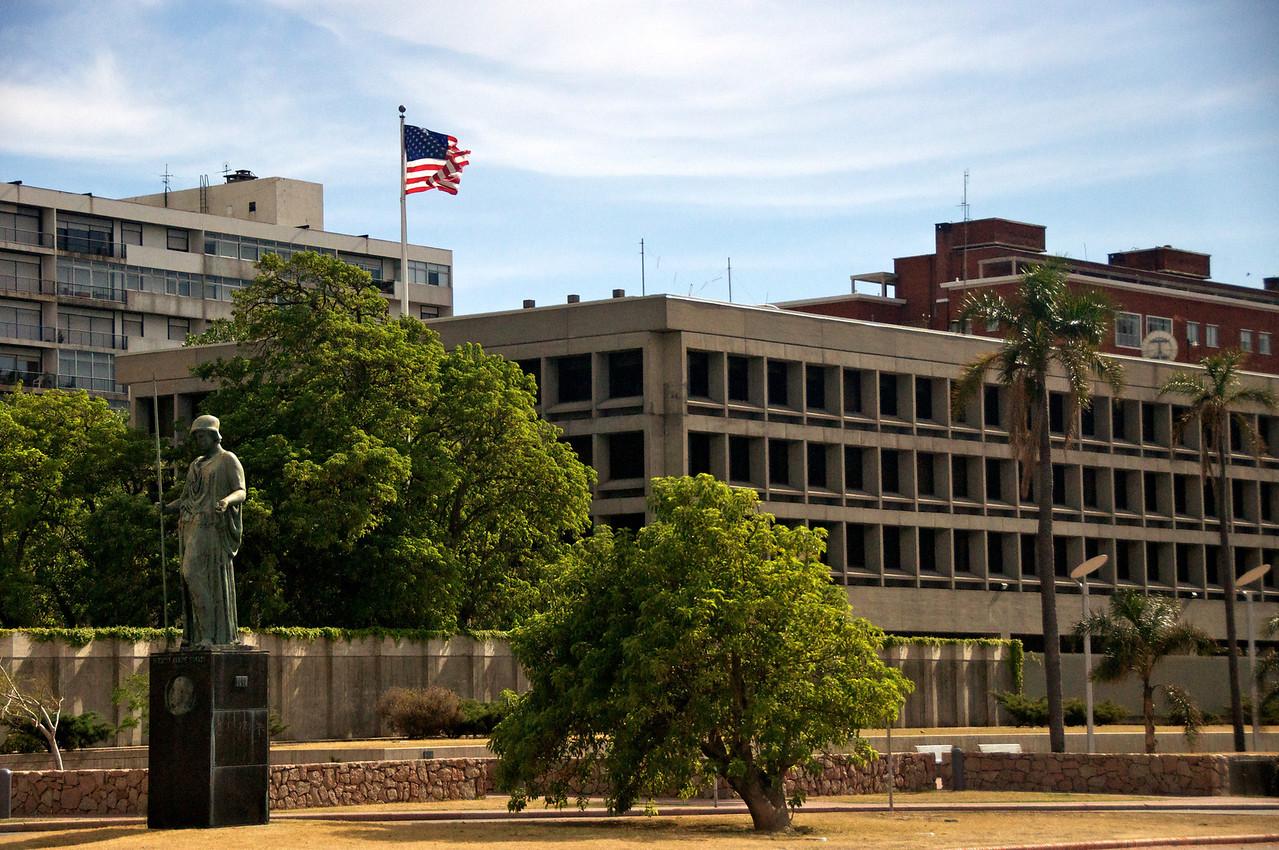 US Embassy in Monteveido  2011-01-1909-08-17