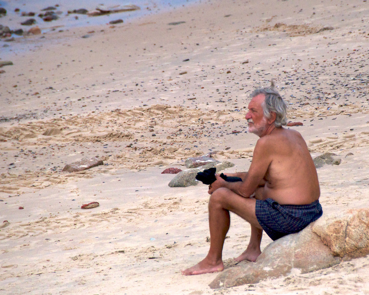 Local Enjoying The Beach  2011-01-1909-50-45