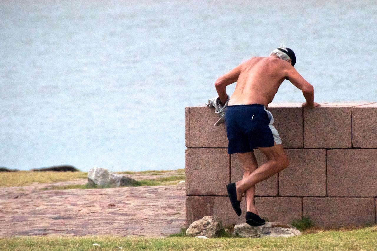 Man Exercising at Holocaust Park     2011-01-1909-37-37
