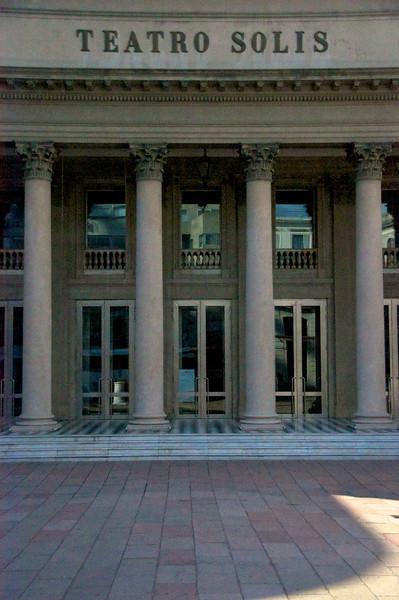 Solis Theatre   2011-01-1908-30-58