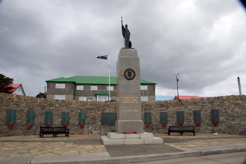 War Memorial 2011-01-1413-25-18