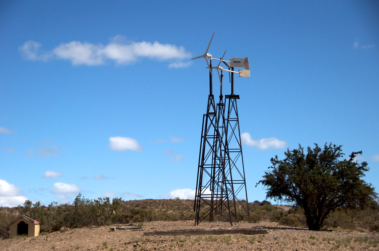 Windmills on Estancia2011-01-1611-28-37