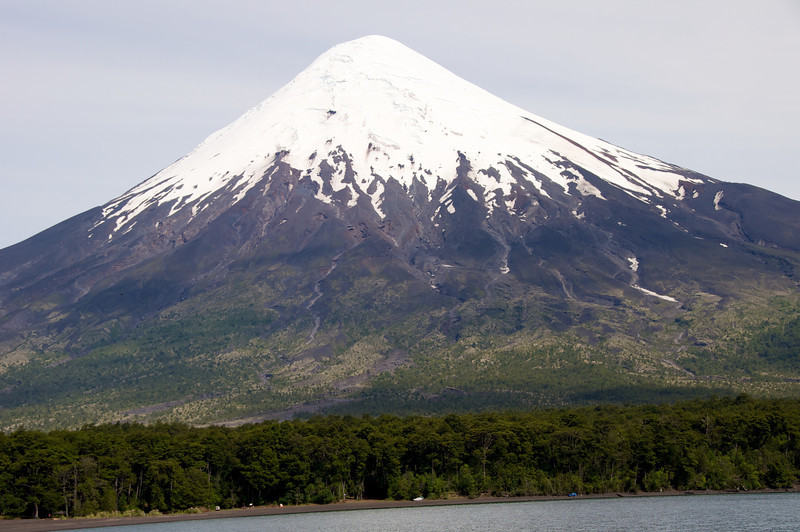 Volcano, Ash, Lake2011-01-0522-47-49