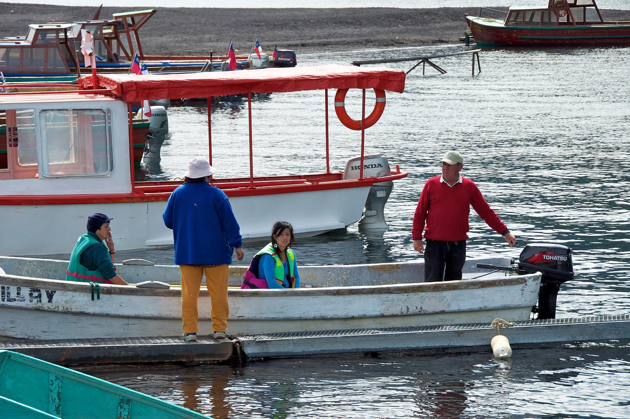 Local Family at Lake2011-01-0522-57-59