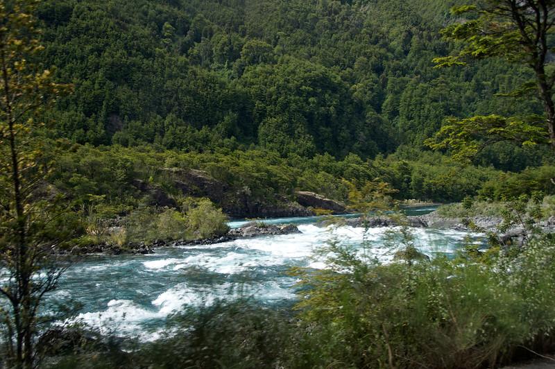 Petrohue Class 3-4 River2011-01-0523-13-25