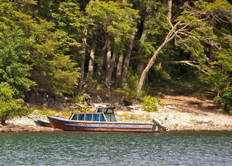 Lone Boat2011-01-0522-51-05