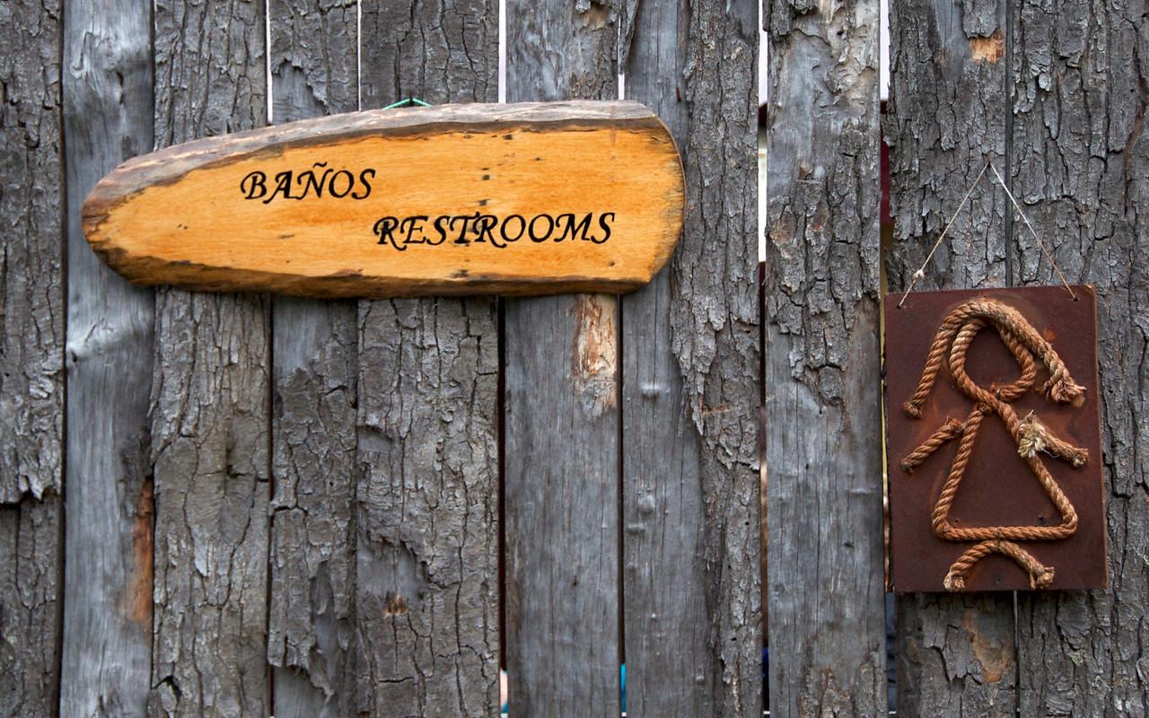 Women's Restroom2011-01-1113-07-16