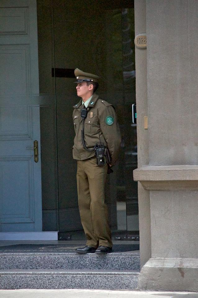 Local Policeman2011-01-1211-58-14