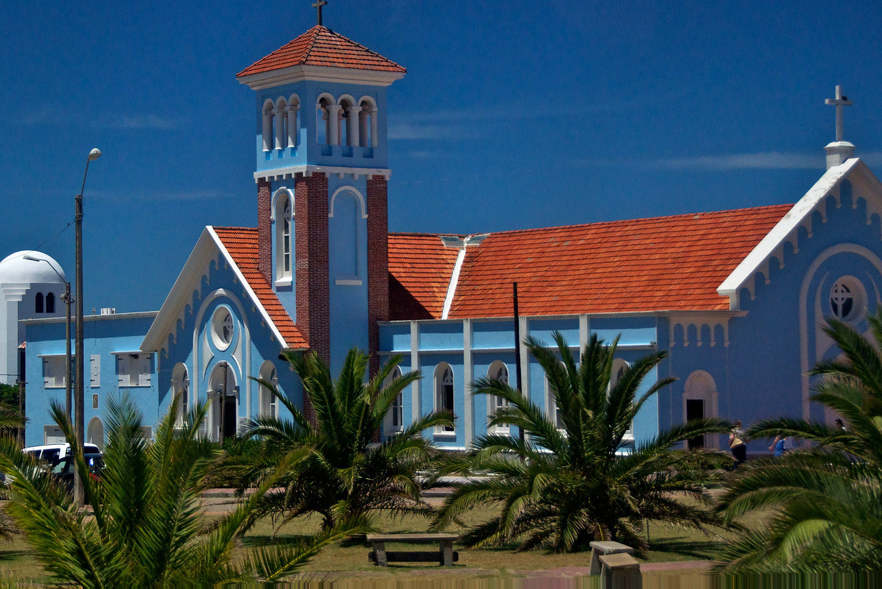 Olderst Church in Punta del Este   2011-01-1812-31-24