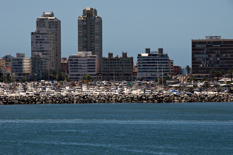 Huge Punta del Este Marina from Ship  2011-01-1811-09-10