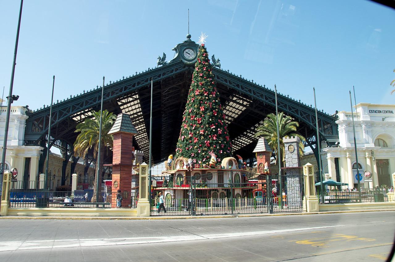 Santiago Central Station2011-01-0221-46-07