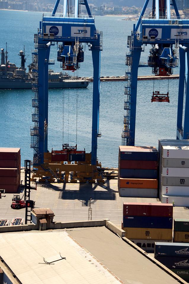 Loading Equipment at Valpariso Docks2011-01-0401-16-55