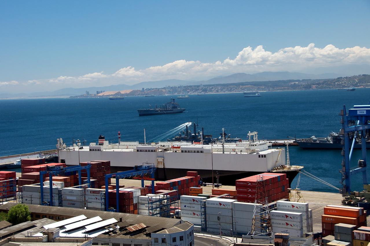 Humanitarian Ship (front), Restocking Ship (back)2011-01-0401-19-01