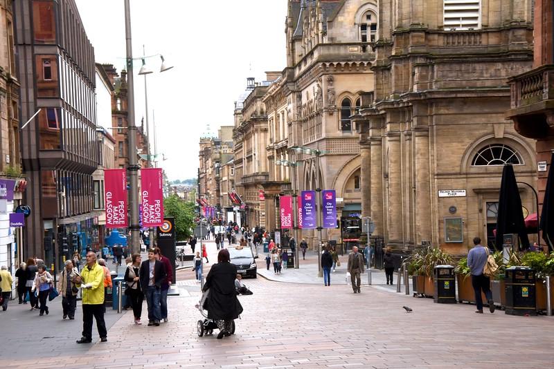 Pedestrian Street In Downtown Glasgow