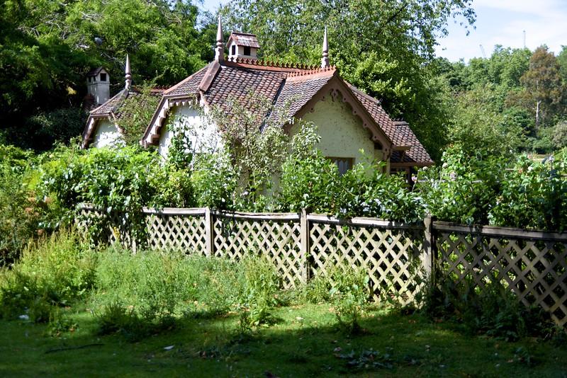 St  James Park Bird Keeper's Cottage