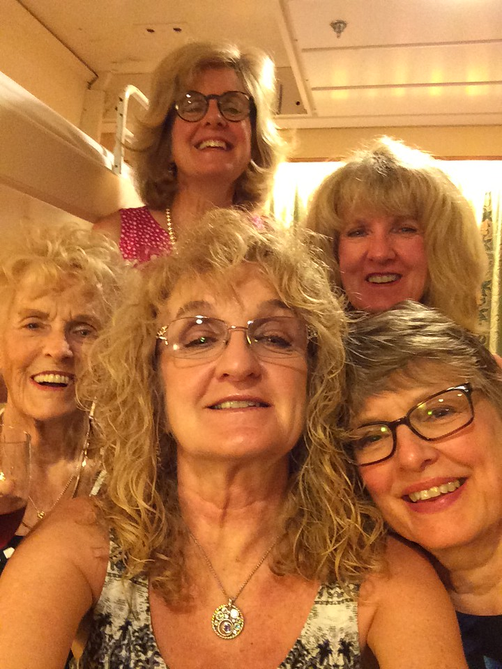 Gloria and her girls