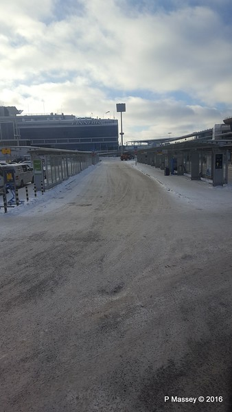 Helsinki Airport Arrivals Snow PDM 11-11-2016 12-56-48