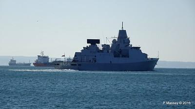 HNLMS DE RUYTER departing Thessaloniki Thermaikos Gulf PDM 01-11-2016 10-30-08