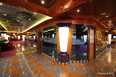 Glass Etching NEPTUNIA 1932 Neptunia Casino on Entrance to Discoteca Vulcania 1927 COSTA FORTUNA PDM 21-03-2016 17-04-35