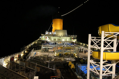 COSTA FORTUNA Upper Decks Night from Deck 11 Fwd PDM 22-03-2016 23-27-31