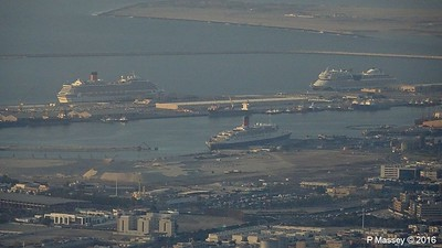 COSTA FORTUNA AIDAstella QE2 From Level 148 Burj Khalifa Dubai PDM 24-03-2016 18-01-050