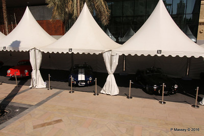 Emirates Classic Car Festival Downtown Dubai PDM 24-03-2016 10-40-35