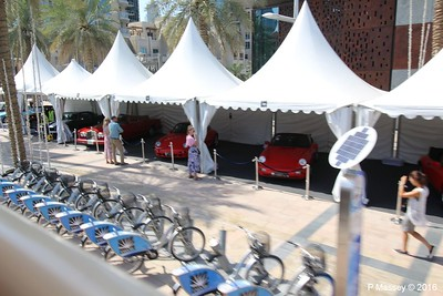 Emirates Classic Car Festival Downtown Dubai PDM 25-03-2016 14-41-00