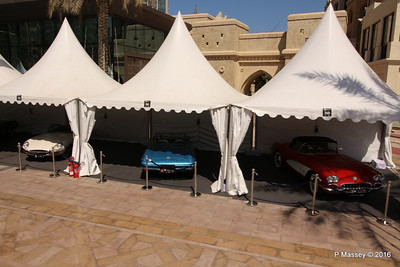 Emirates Classic Car Festival Downtown Dubai PDM 24-03-2016 10-40-033