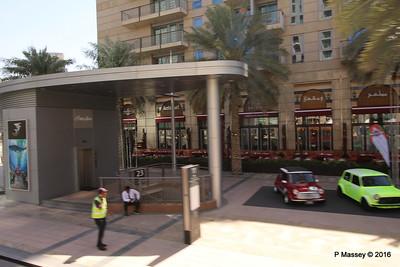 Minis Emirates Classic Car Festival Downtown Dubai PDM 24-03-2016 10-43-035