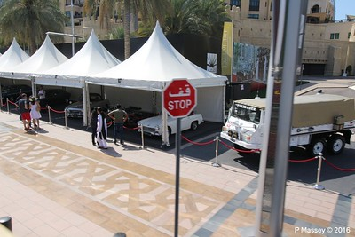 Emirates Classic Car Festival Downtown Dubai PDM 25-03-2016 14-39-57