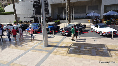 Emirates Classic Car Festival Downtown Dubai PDM 25-03-2016 14-36-05