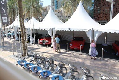 Emirates Classic Car Festival Downtown Dubai PDM 25-03-2016 14-41-001