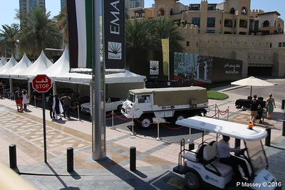 Emirates Classic Car Festival Downtown Dubai PDM 25-03-2016 14-39-56