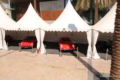 Emirates Classic Car Festival Downtown Dubai PDM 24-03-2016 10-40-36