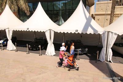 Emirates Classic Car Festival Downtown Dubai PDM 24-03-2016 10-40-34