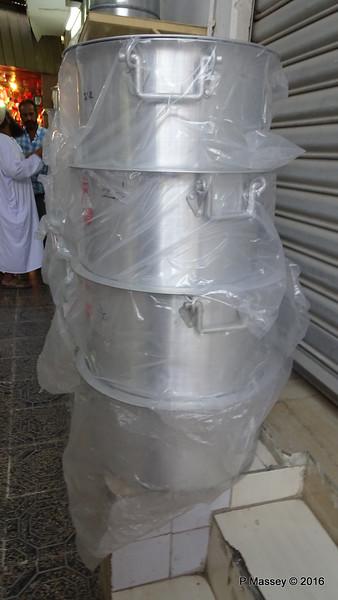 Muttrah Souk Large Pots Muscat PDM 20-03-2016 17-47-00