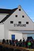 Joining Passengers awaiting LOFOTEN Stamsund PDM 27-07-2016 18-53-16