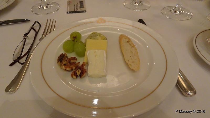 Britannia Restaurant Dining QUEEN MARY 2 15-07-2016 20-33-30
