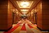 Deck 2 Hallway Fwd from Britannia Restaurant QUEEN MARY 2 16-07-2016 11-16-35
